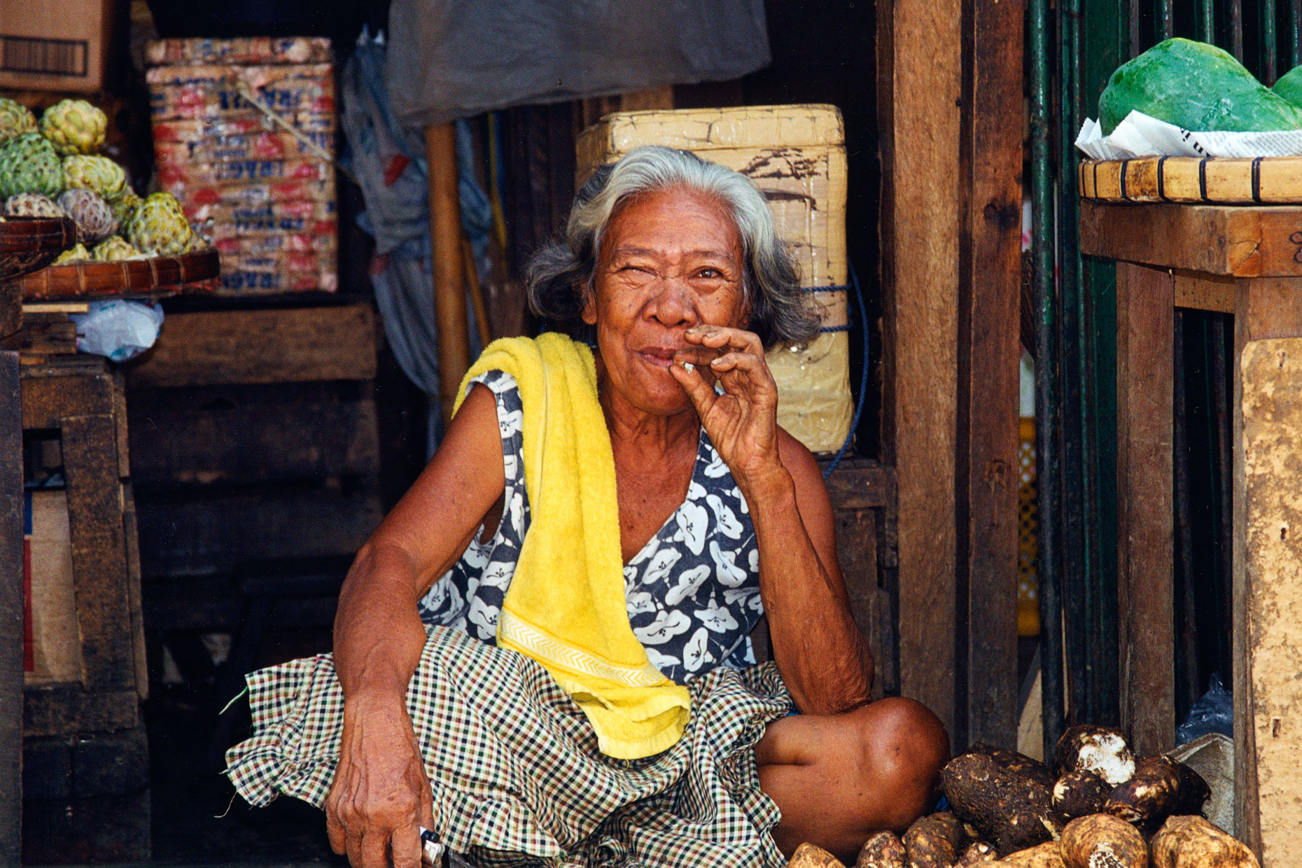 Smoking-Woman-Cebu-City-Philippines-Travel-Photography-Caryn-B-Davis